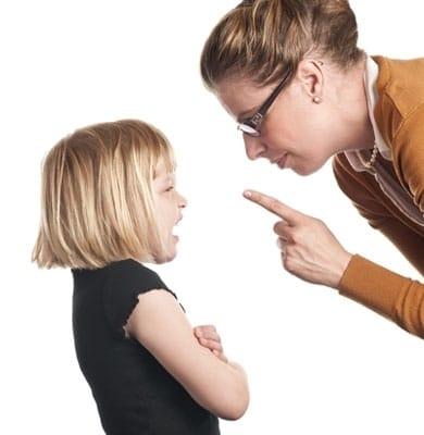 aşırıkoruyucuannebabatutumları - Aşırı Koruyucu Ana Baba Tutumu