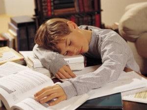 Ödevini Yapmadan Okula Gelen Çocuğa Nasıl Yaklaşılmalı - Ahmet Türker