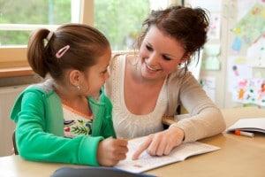 Okula Yeni Başlayan Bir Çocukla Çalışırken Dikkat Edilmesi Gerekenler - Pınar Ersöz