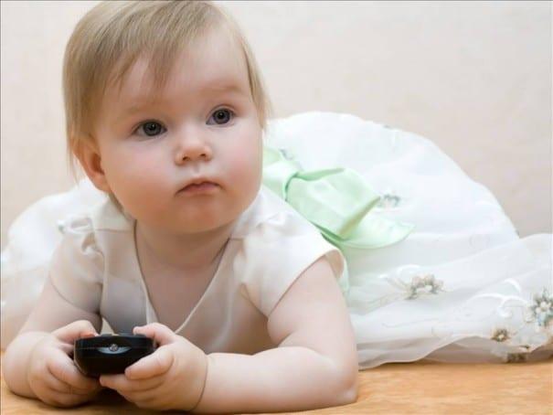 Bebek Kanalları ve DVD'ler Bebeğimi Zekileştirir mi Sinem Olcay e1455011804420 - Bebek Kanalları ve DVD'ler Bebeğimi Zekileştirir mi ?