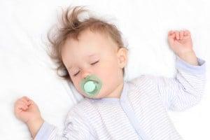 Bebeklere Emzik Verilmeli mi - Sinem Olcay