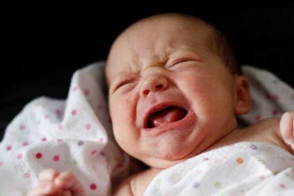 bebeklerduygusalnedenlerleağlarmı e1454860653328 - Bebekler Duygusal Nedenlerle Ağlar mı ?