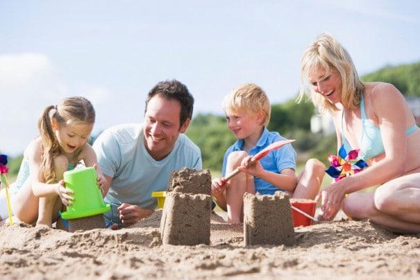Birlikte Kumdan Kale Yapmaya Var Mısınız Esin Nur Akyıldız e1479193840663 - Birlikte Kumdan Kale Yapmaya Var Mısınız?