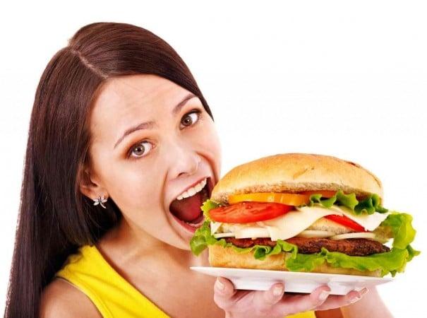 Daha Yeni Yemek Yedim Ama Gene De Açım Neden Esin Nur Akyıldız e1478586944431 - Daha Yeni Yemek Yedim Ama Gene De Açım, Neden?