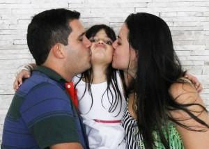 Anne Babanın Aşırı Koruyucu Tutumları - Zehra Erol