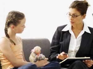Çocuk ve Ergen Psikoterapi Sürecine Ebeveynlerin Katılımının Önemi - Serap Sözen